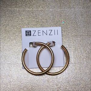Zenzii gold hoop earrings
